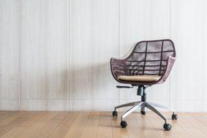Pisarniški stol ima velik vpliv na počutje med sedenjem