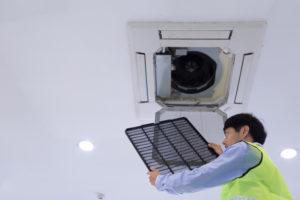 Toplotna črpalka za ogrevanje z montažo