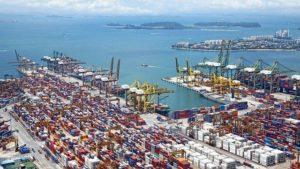 Razni zmogljivejši viličarji imajo pomembne vloge v vseh členih logistike